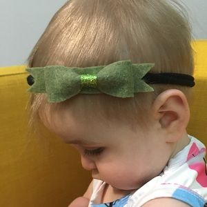 Other - Olive green bow headband